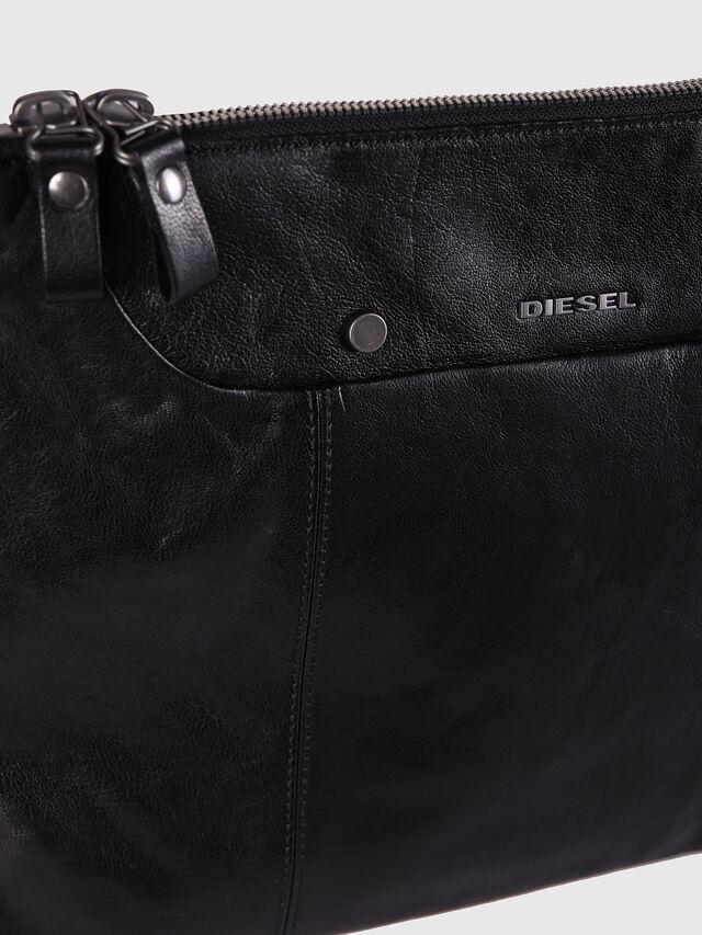 L-L4CLUTCH, Black Leather