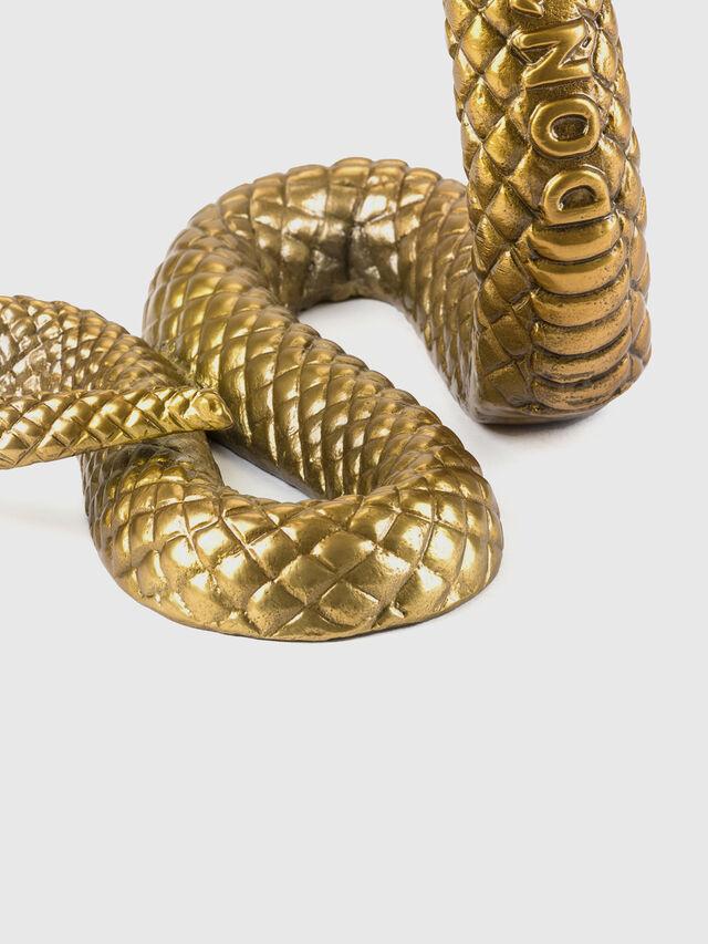 10893 Wunderkammer, Gold