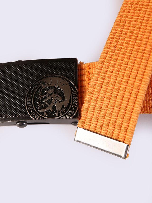 B-BUZYY, Orange