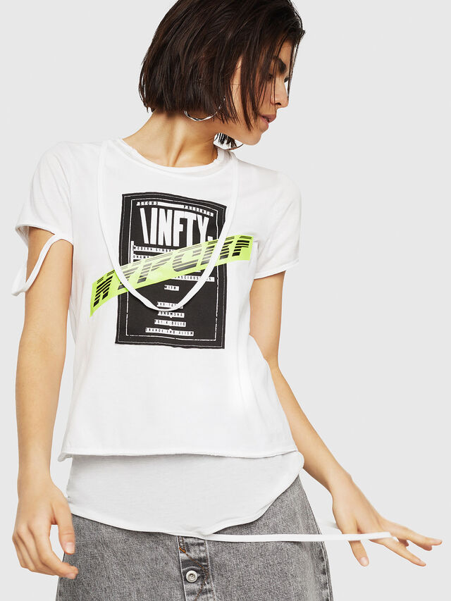 5fa412ce638 T-EMIKO-B Women  Graphic T-shirt with destroyed trims